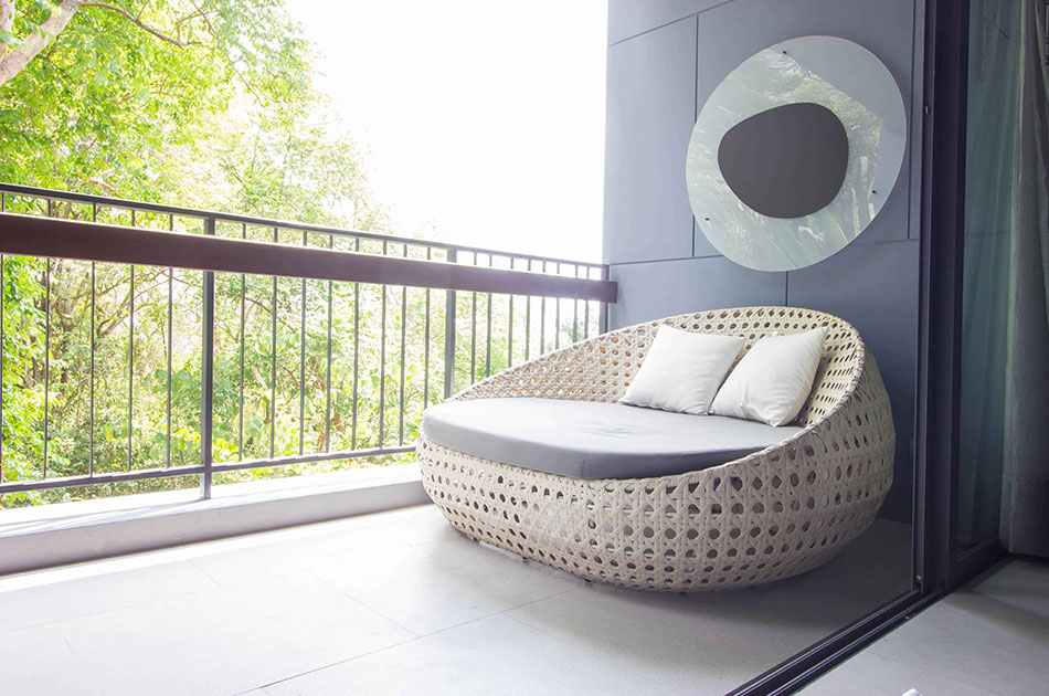 Outdoor balcony tile ideas